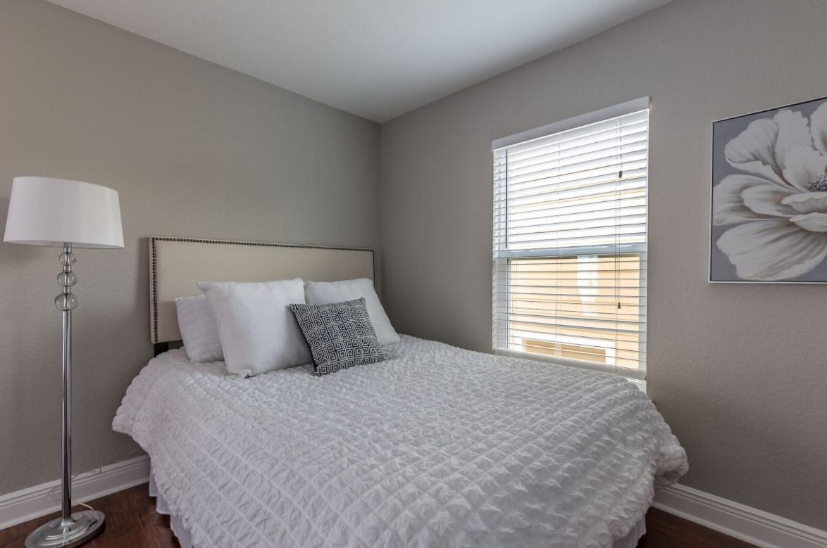 bonus room - Tampa Bay Property