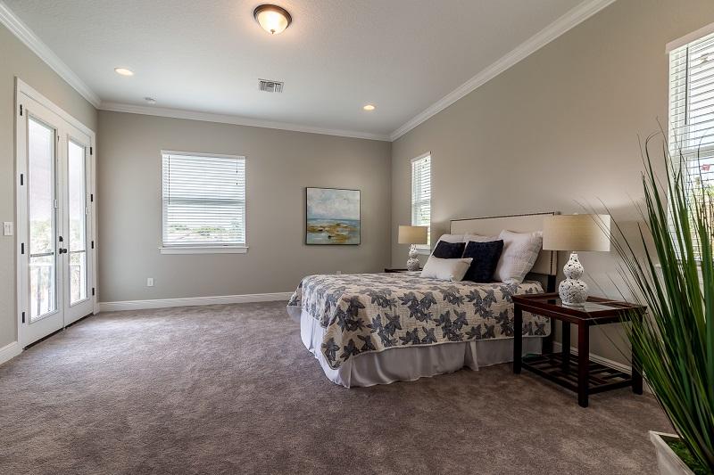 3916.5-N-Ridge-Ave-Master-Bedroom2