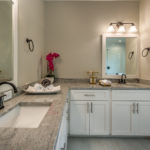 4416 W El Prado - his & hers master bath