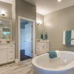686 Geneva - master bath his & hers