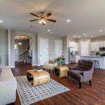 3914 N. Ridge Ave-Living1