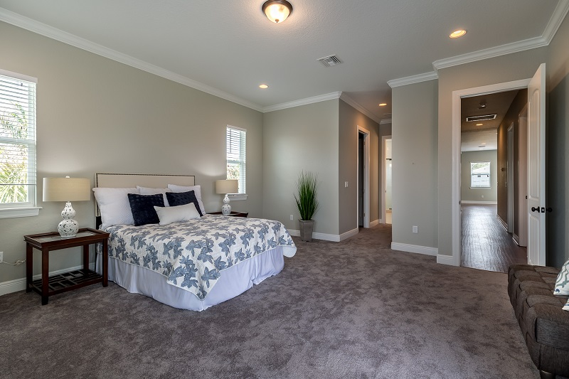 3916.5-N-Ridge-Ave-Master-Bedroom1